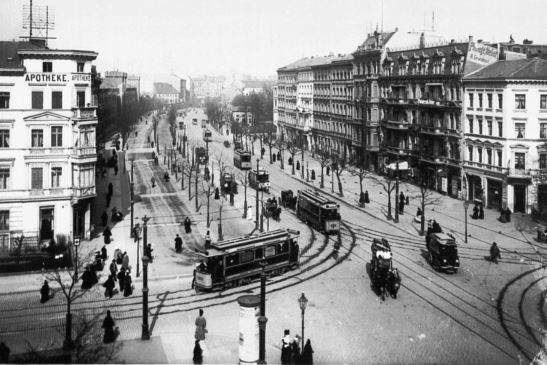 Belle-Alliance-Strasse corner Gneisenau- (right) and Yorkstrasse (left), looking towards the Landwehrkanal, in 1900.