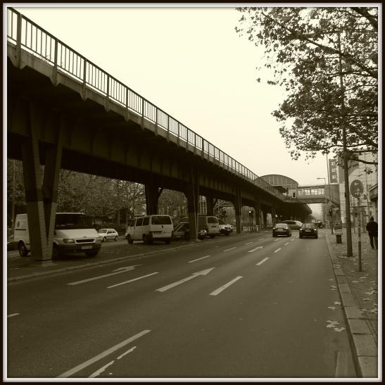 gitschiner between sklaitzer and prinzenstrasse u1 (2)_cleaned