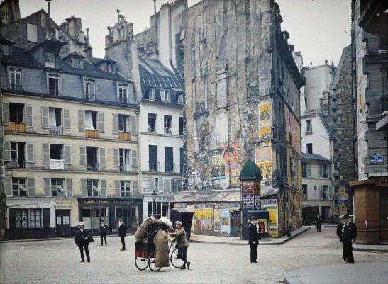 Paris-in-Colour-4 rue du boy with a cart