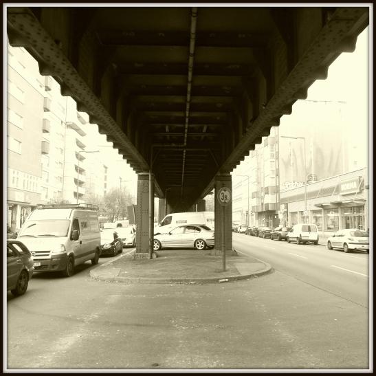 The viaduct Skalitzer Strasse directly behind U1 Kottbusser Damm