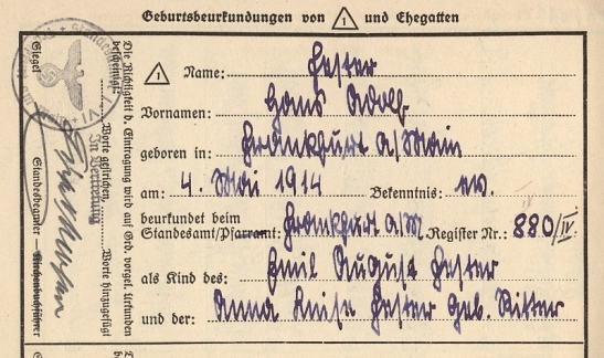 1914 birth certificate in handwritten Sütterlin - from the files of the central cemetary in Frankfurt am Main (through http://www.frankfurter-hauptfriedhof.de)