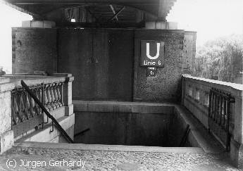 The original - no longer exisitng -  entrance to the U-Bahn station Hallesches Tor in Gtischiner Strasse