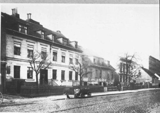 Schlesische Strasse 13-11 in the second half of the 19th c (photo bildindex marburg)