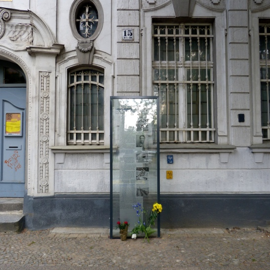 The plaque commemorating the Jewish victims of Nazi persecution at the Central Job Office for Jews in Fontanepromenade 15, Kreuzberg