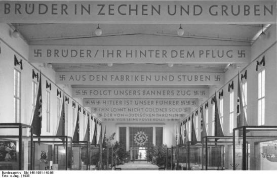 "The exhibition ""Gesundes Leben, Frohes Schaffen"" (Healthy Living, Happy Creating/Producing) organised by DAF in IG-Metall-Haus in 1938 (photo: Bundesarchiv)"