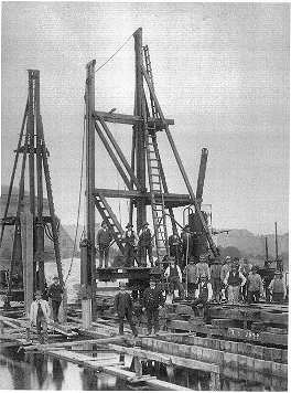 Urbanhafen being built (1892-1895)