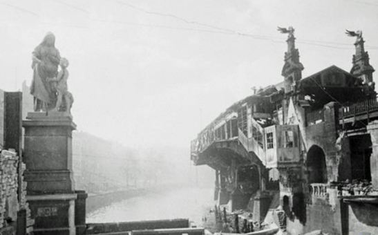 Fruchthandel, Freidrich Reusch´s sculpture allegedly destroyed during WW2 - here a photo from 1945. Found thanks to Dan of the great War Tourist Blog.