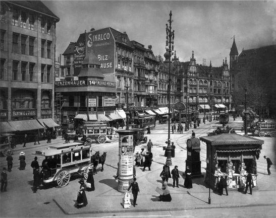 Spittelmarkt photographed vy Waldemar Titzenthaler in 1909
