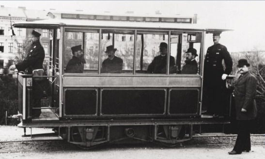 THE DEBUT OF THE FIRST ELECTRIC TRAM IN THE WORLD IN BERLIN-LICHTERFELDE