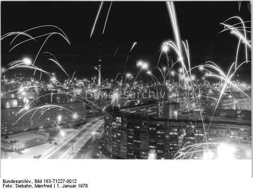 Berlin Silvester 1978 by Manfred Siebahn, Bundesarchiv