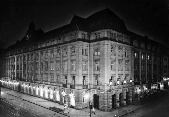 Ullsteinhaus in Kochstrasse 23-24 in the 1930s.