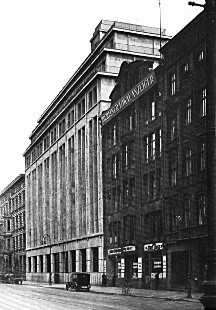Scherl-Haus (or Scherlhaus) in Zimmerstrasse 35-41 in 1921.
