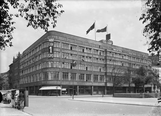 Haus des Deutstcher Verkehrsbundes  in 1932 (image by bildindex.de)