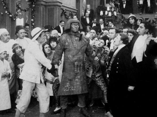 still from the golem 1915