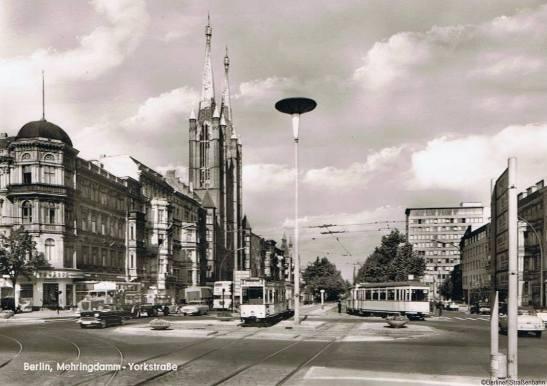 The crossing Yorckstrasse and Mehringdamm in the early 1960s (image: Berliner Straßenbahn)