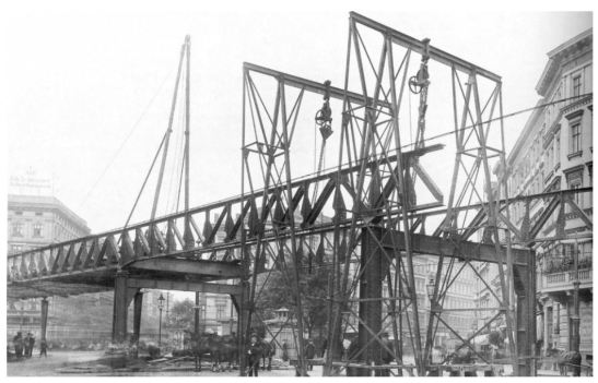 The elevated railway line being built at Kottbusser Tor in 1901 (image through ag-berliner-u-bahn.de)
