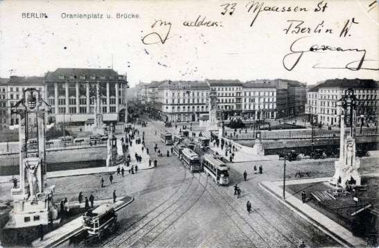 "Oranienplatz after it was given a new design in 1906 (the buildings, including today´s ""Denkerei"" in the historic Maas Department Store, are also present)."