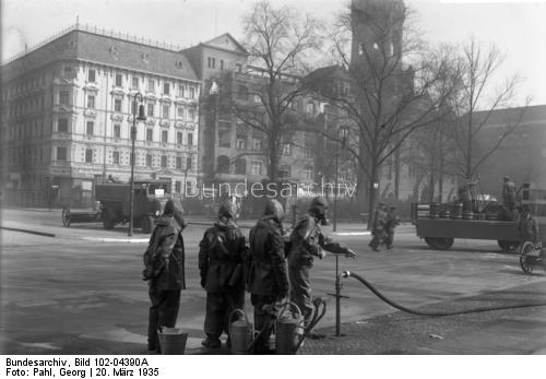 Photo by Georg Pahl, Bundesarchiv