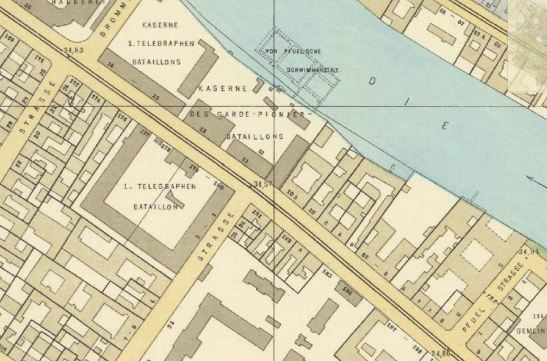 Image: A section of Straube-Plan from 1910 - the Kriegzeug Magazin stood on the corner of Köpenicker and Zeughofstraße.