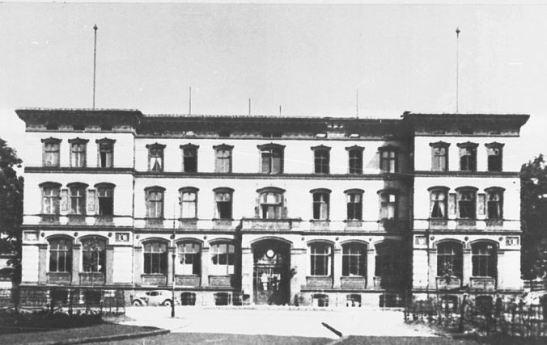VERWALTUNGSGEBąUDE KRANKENHAUS AM URBAN 1920s