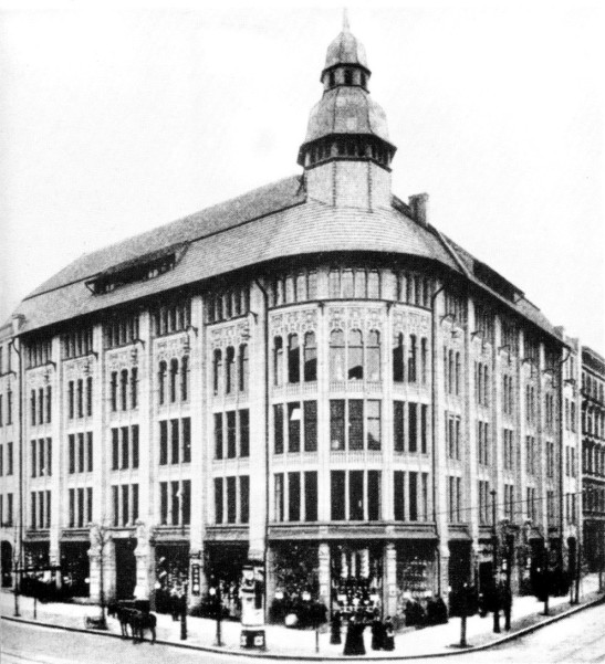 Warenhaus am Weinberg in 1904 (author unknown).