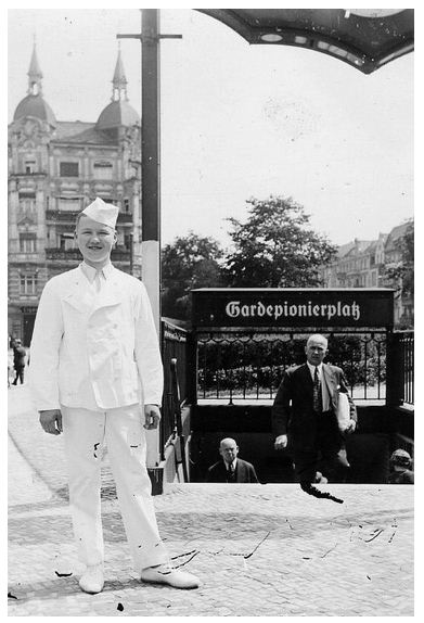 "A baker boy in front of the old exit at #U-Bhf ""Gardepionierplatz"" in 1939 or 1940 (author and source unknown)."