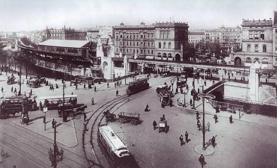 Bhf Hallesches Tor still under construction in 1901 (Image by Waldemar Titzenthaler, Landesarchiv)