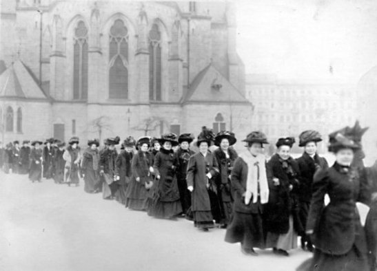 berlin 19 03 1911 women marching
