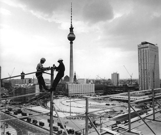 bauarbeiter montage fturm 13.08.1969 bundesarchiv eva brüggmann